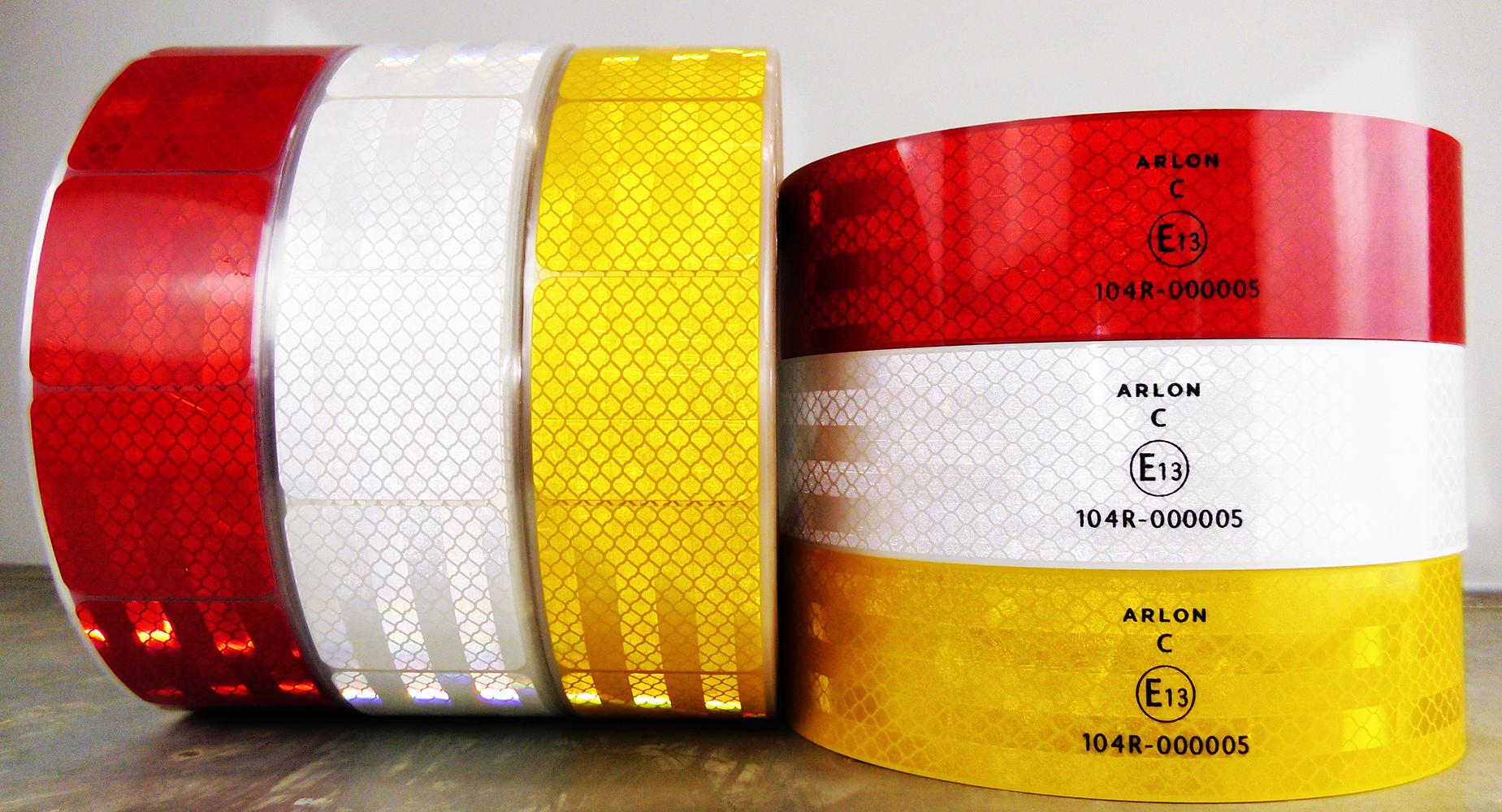 R104 unpacked 3colors segmented standard2 WEB